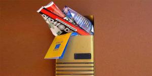 cassetta-postale-con-volantini